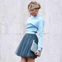 Matching different tones is such a great way to create a fashionable look. The ballerina skirt here adds texture. It all looks amazing! Why Ballerina Skirt and the Biggest Trend of 2018 Trend Fashion, Fashion Mode, Look Fashion, New Fashion, Fashion Vintage, Woman Fashion, Autumn Fashion, Mode Outfits, Skirt Outfits