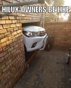 Your average Hilux owner garage. How do you park that on a Friday night? African Memes, Car Jokes, Friday Humor, Afrikaans, South Africa, Funny Pictures, Biltong, Sayings, Lp