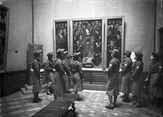 Visita da Mocidade Portuguesa feminina ao Museu Nacional de Arte Antiga, Lisboa, Portugal   Flickr - Photo Sharing!