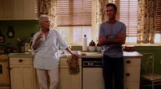 "Burn Notice 2x02 ""Turn and Burn"" - Michael Westen (Jeffrey Donovan) & Madeline Westen (Sharon Gless)"