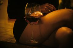 Image discovered by FlowerPower. Find images and videos about sexy, woman and wine on We Heart It - the app to get lost in what you love. National Red Wine Day, Photo Glamour, Woman Wine, Sensual, Drinking, Alcoholic Drinks, 1990s, In This Moment, Instagram