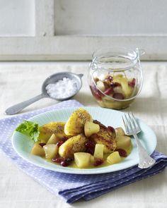 Unser beliebtes Rezept für Süße Kartoffel-Quark-Nockerln mit Birnen-Cranberry-Kompott und mehr als 55.000 weitere kostenlose Rezepte auf LECKER.de.
