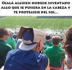 Invento para protegerse del sol. #humor #risa #graciosas #chistosas #divertidas