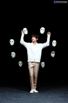 BTS V/Taehyung Love Yourself 轉 'Tear' Singularity Comeback Trailer Sketch Bts Taehyung, Jimin, Namjoon, Bts Bangtan Boy, Daegu, Foto Bts, Jung Hoseok, Taekook, V And Jin