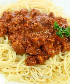Slow Cooker Spaghetti and Meat Sauce. My family's favorite spaghetti sauce recipe!