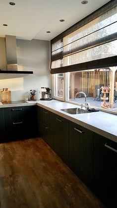 Roman Blinds, Beautiful Kitchens, Cozy House, Kitchen Organization, Kitchen Gadgets, Kitchen Remodel, Kitchen Cabinets, House Design, Inspiration