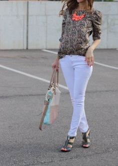 2785baba4b white skinny jeans and the famous bubble necklace White Skinnies