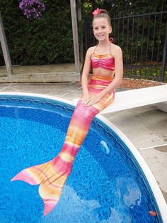 Hey, I found this really awesome Etsy listing at https://www.etsy.com/listing/211124890/swimmable-mermaid-tail-with-monofin-free