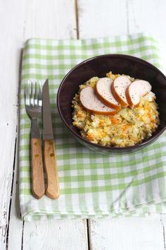 Ben je op zoek naar een recept voor een aardappelsalade? Probeer eens deze Russische variant.  http://www.vriendin.nl/koken/recepten/6626/recept-voor-russische-aardappelsalade