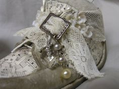 Vintiquities Workshop: Altered Vintage Baby Shoes, with some instructions