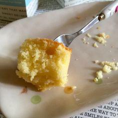 My Mind Patch: Golden Butter Cupcakes 金黄牛油杯子蛋糕 Sponge Cake Recipe Best, Sponge Cake Recipes, Cupcake Recipes, Cupcake Cakes, Cup Cakes, Butter Cupcakes, Banana Cupcakes, Asian Desserts, Moist Cakes