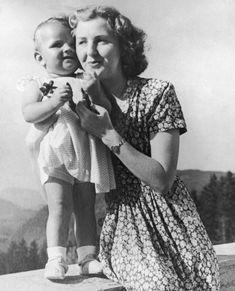 The Blogger: A New Look at Hitler's Mistress Eva Braun