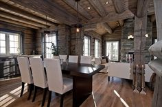 Cozy Cabin, Cozy Cottage, Dinner Room, Cabins And Cottages, Lodges, House Ideas, Barn Conversions, Real Estate, Ski Chalet