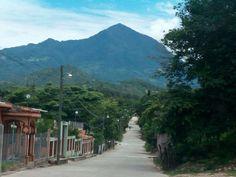 """La Montaña de Erapuca o pico """"Erapuca"""" es el punto más alto de la """"Sierra de Merendón"""" de la geografía de Honduras"""