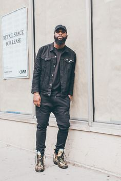 Seen at the Dr. the Di Antonio Pascal boot. Dr. Martens, Dr Martens Boots, Dr Martens Backpack, Dr Martens Original, Cute Guys, Leather Boots, Chelsea Boots, Cool Outfits, Bomber Jacket
