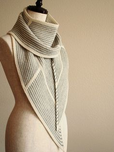 STUNNING! Elegant, gorgeous! Ravelry: knittimos clockwork