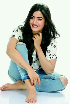 Dpz for girls Beautiful Blonde Girl, Beautiful Girl Photo, Beautiful Girl Indian, Wonderful Picture, Indian Actress Photos, South Indian Actress, South Actress, Cute Girl Poses, Cute Girl Pic