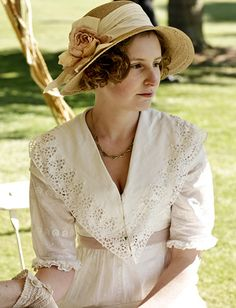 Photo Gallery : Lady Edith Crawley (Please let me know her name IRL), Downton Abbey, costume, portrait, hat, photo