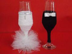Taça para decoração mesa  dos noivos Flute, Wedding Bells, Valentines Day, Champagne, Black And White, Wedding Table, Wedding Decoration, Grooms Table, Desk Decorations
