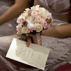 http://www.theknot.com.au/wedding-planning/real-weddings/traditional/lauren-john-in-mosman-nsw-bridesmaid-bouquet?gallery_id=36971