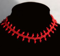 Free pattern for beaded necklace More Red   U need: seed beads 11/0 round beads 4 mm or 6 mm