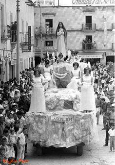 carro alegorico en fiestas de candelaria en San Juan de los Lagos Jalisco
