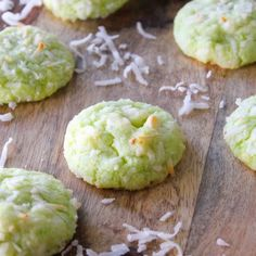 Key Lime Cookies with Coconut and white chocolate chips. These tropical cookies are easy, and a key lime lovers dream. Key Lime Cookies, Swig Sugar Cookies, Coconut Cookies, Chocolate Chip Cookie Cheesecake, Best Chocolate Chip Cookie, Cheesecake Bars, White Chocolate Raspberry, White Chocolate Chips, Magnolia Bakery Banana Pudding