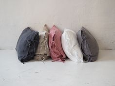 Linen pillowcases made of stonewashed linen. This airy fabric allows skin to breath and ensures feeling of freshness. Linen Pillows, Bed Linen, Linen Bedding, Throw Pillows, Dreams Beds, Minimalist Interior, Natural Linen, Pillowcases, Textiles