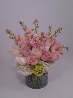 Black Baccara Designs is a Full Service Florist. We offer custom wedding and event designs. Custom home decor and special ocassion flowers. Corsage And Boutonniere, Funeral, Event Design, Hydrangea, Custom Homes, Floral Design, Custom Design, Roses, Glass