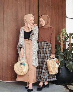 Fashion hijab casual rok Ideas for 2019 Modern Hijab Fashion, Street Hijab Fashion, Muslim Fashion, Modest Fashion, Skirt Fashion, Trendy Fashion, Hijab Fashion Casual, Fashion Muslimah, Fashion Fashion