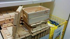 La caisse en bois Knagglig de chez IKEA