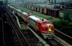 Google Image Result for http://www.bcoolidge.com/ATSF%2520Pix/Super-Chief-at-21st-St.-Chicago_8_31_68Editeda.jpg