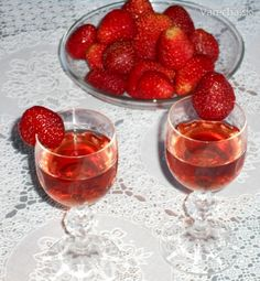 Alcoholic Drinks, Beverages, Panna Cotta, Food And Drink, Glass, Ethnic Recipes, Strawberries, Home Made, Food Food