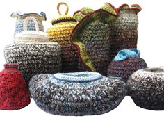 ANNE HAYHOE'S SCULPTURAL CROCHET VESSELS