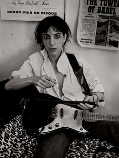Patti Smith became amuse for so many photographers, such was her intensity and desire. Frank Stefanko's images of Patti Smith are perfect. Just Kids, Old Western Movies, Best Guitar Players, Wild Eyes, Idole, Black And White Portraits, Post Punk, American Singers, Punk Rock