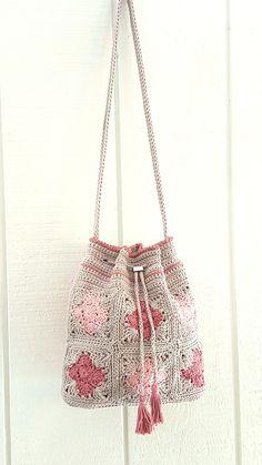 crochet - Crochet Bag PATTERN - Quatrefoil Drawstring Bag - Drawstring Bag Pattern - Granny Square Bag - DIY Crochet Purse - Crochet Purse Pattern - Apocalypse Now And Then Diy Crochet Purse, Crochet Purse Patterns, Crochet Hook Set, Granny Square Crochet Pattern, Crochet Handbags, Crochet Purses, Crochet Bags, Crochet Granny, Free Crochet