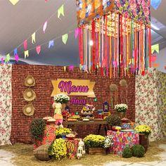 Decoração de festa junina: 90 ideias coloridas e criativas The Balloon, Party Time, Party Favors, Diy And Crafts, Balloons, Wedding Decorations, Birthday Parties, Gifts, Rustic Anniversary Party