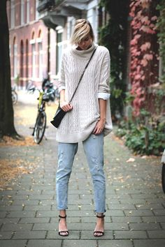 Big beige knit - LOOKBOOK.nu