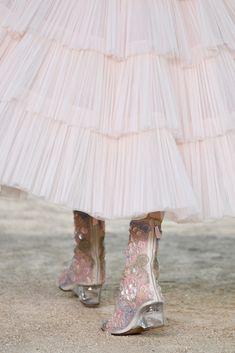 Chanel: Runway - Paris Fashion Week - Haute Couture Spring Summer 2018