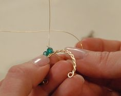 Making Twisted Wire Curves earrings from Wire-wrapped stones, crystals and clusters class #CraftsyPhoto