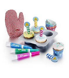 We have this brilliant set and my 3 year old loves it. You can mix and match toppings, candles and holders. The pens which you use to decorate the icing are so much fun - they look just like real icing tubes #Melissa and #Doug #cupcake set