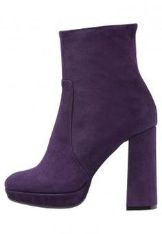 c78687a499dd Alberto Zago - High Heel Stiefelette - viola  stiefelette  highheel  viola   lila  albertoZago