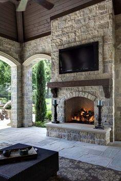Ein Traumhaus des französischen Chateaux-Stils in Southlake, Texas - Kamin Home Fireplace, Fireplace Design, Fireplace Ideas, Small Fireplace, Mantel Ideas, Farmhouse Fireplace, Stone For Fireplace, Fireplace Hearth Decor, Fireplace Cleaning