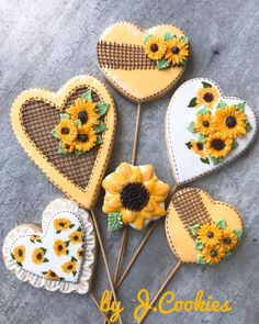 Cute Christmas Cookies, Thanksgiving Cookies, Fall Cookies, Valentine Cookies, Cute Cookies, Birthday Cookies, Valentines, Sunflower Cookies, Flower Sugar Cookies