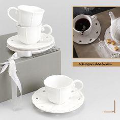 Elegante juego de café con 6 tazas y 6 platitos. Su estuche lo convierte, además, en un magnífico regalo. http://elhogarideal.com/es/74-juegos-de-cafe