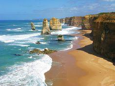 Twelve Apostles, Port Campbell National Park, Victoria, Australia.