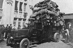 Buenos Aires. Hotel de Inmigrantes, camión autmóvil para el...