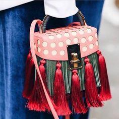 "260 Gostos, 9 Comentários - De_project (@de_yeg_style) no Instagram: ""@aofficialcom . #fashion #fashionweek #fashionlove #fashionaddict #fashionblogger #dailylook…"""
