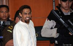 AKARPADINEWS.COM | ALI Imron dan Umar Patek, dua narapidana Bom Bali I tahun 2002 yang menewaskan 202 orang, tak hanya menghabiskan waktunya menjalani hukuman di penjara.   Namun, keduanya