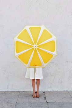 Don't be bitter about rainy days — make them sweeter with a DIY lemon slice umbrella.